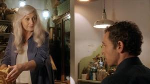 Mercedes Sampietro y Pablo Derqui, en el rodaje de la nueva serie de TV-3 Si no t hagués conegut.