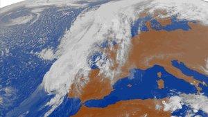 Imagen de satélite de 'Leslie' el domingo por la tarde.