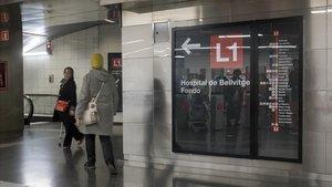 Interior de la estación de metro de Fondo.