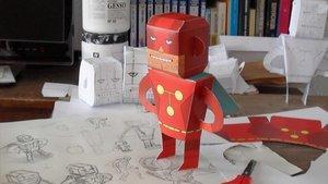 El recortable del personaje de Titán, de 'El vecino', ofrecido por Pepo Pérez.
