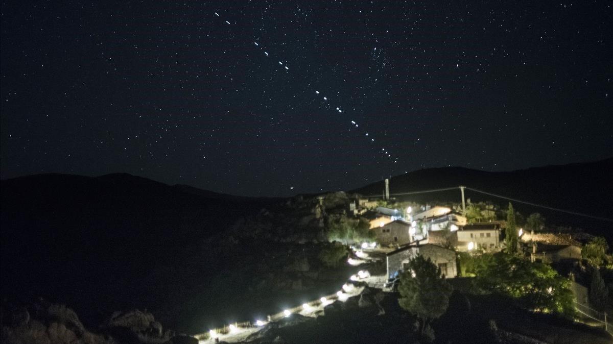 La multiplicació de satèl·lits amenaça l'astronomia