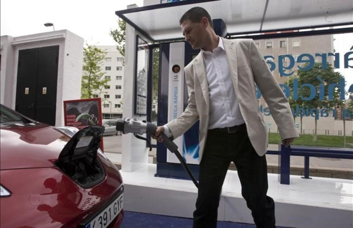 Las nuevas ayudas al coche eléctrico entierran el PIVE