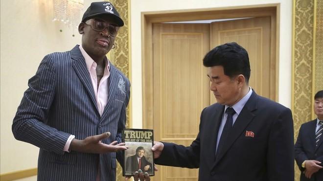 Trump llegó a Singapur para reunirse con Jong-un