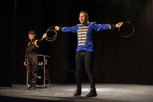 El mag Stigman estrena 'El circ dels impossibles' a la Sala Cincómonos