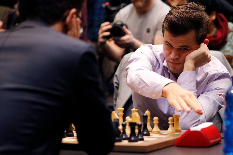 Magnus Carlsen durante el último campeonato del mundo ante Fabiano Caruana.