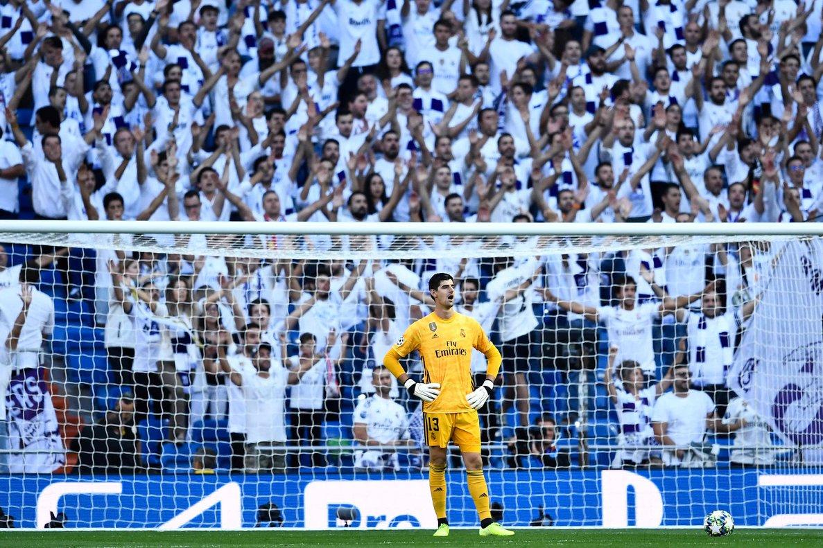 Courtois durante el último partido del Madrid en casa.