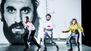 'Im herzen der gewalt (Al cor de la violència)', una adaptación de la obra deEdouard Louis dirigida por Thomas Ostermeier.