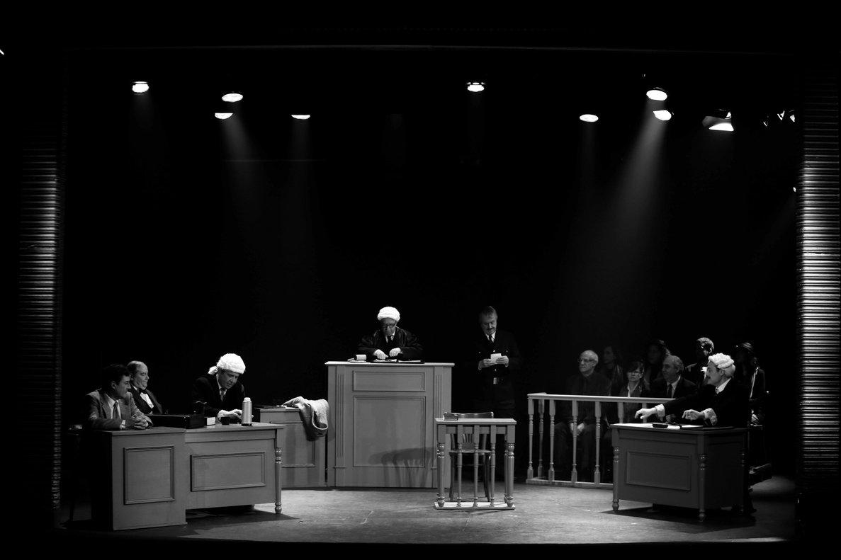 El segundo acto de la obrarepresenta un juicio.