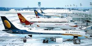 AEROPORTS 3 Avions estacionats a l'aeroport de Brussel·les.