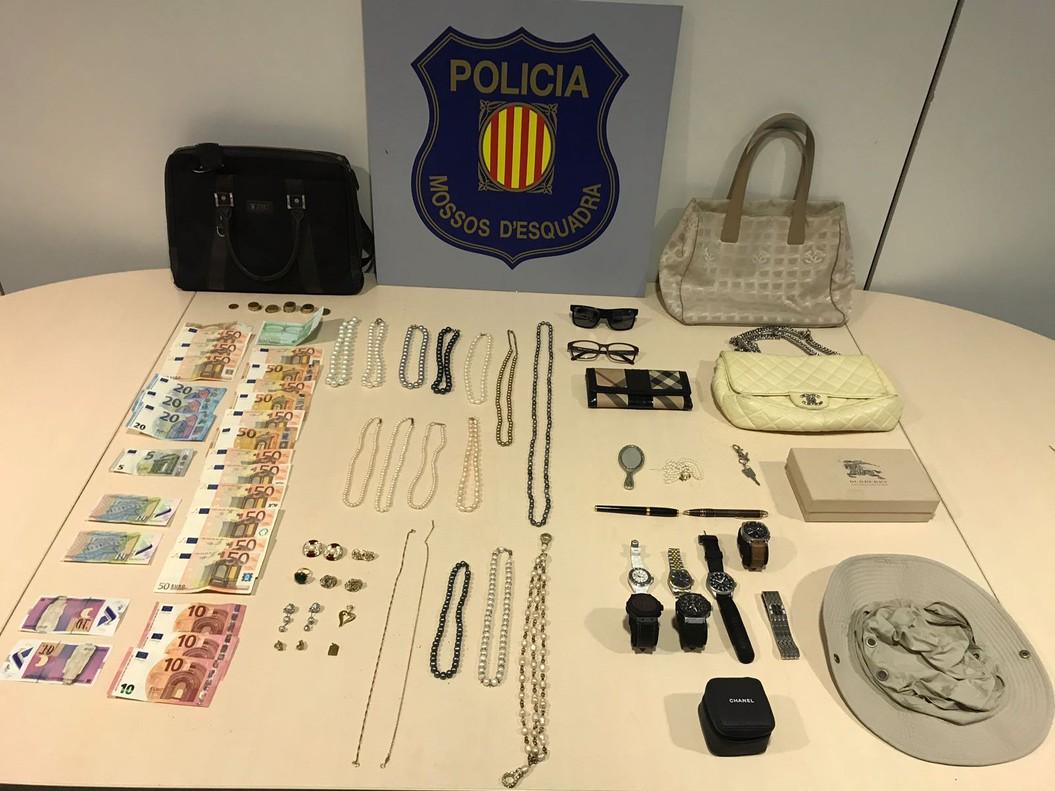 Recuperats 200.000 euros en joies robats a una turista a l'aeroport de Barcelona
