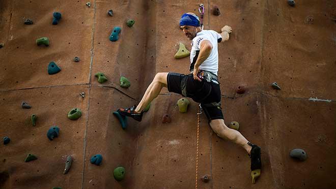 El alpinista catalán yex alcaldede Parets, Sergi Mingote, intentará en los próximos doce meses la ascensión a seis ochomiles sin oxígeno en un reto sin precedentes