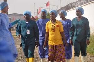 Beatrice Yardolo, lúltima pacient ingressada per Ebola a Libèria, abandona lhospital.