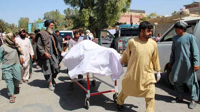 Denuncian la muerte de 40 civiles en ataques aéreos del Gobierno en el sur de Afganistán.