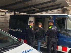 Ofensiva a Barcelona contra els camells de marihuana que capten turistes