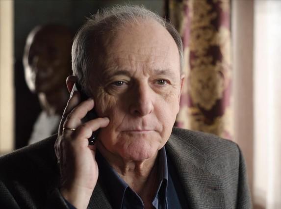 El actor Emilio Gutiérrez Caba, en una imagen de la serie de TVE Gran Reserva.