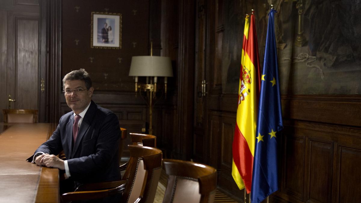"""Rafael Catalá: """"Es vergonzoso que Puigdemont haya huido de su responsabilidad"""""""