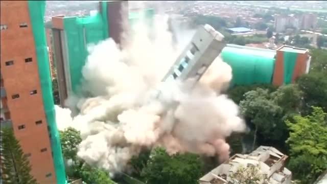 La construcción sufría daños estructurales irreparables.