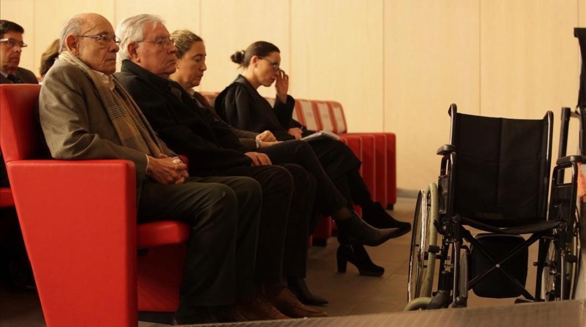 Fèlix Millet, Jordi Montull y la hija de este último, Gemma, en el banquillo de los acusados.