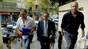 El fiscal Pedro Horrach (en el centro) y el juez José Castro (a la derecha), en una imagen del 2009