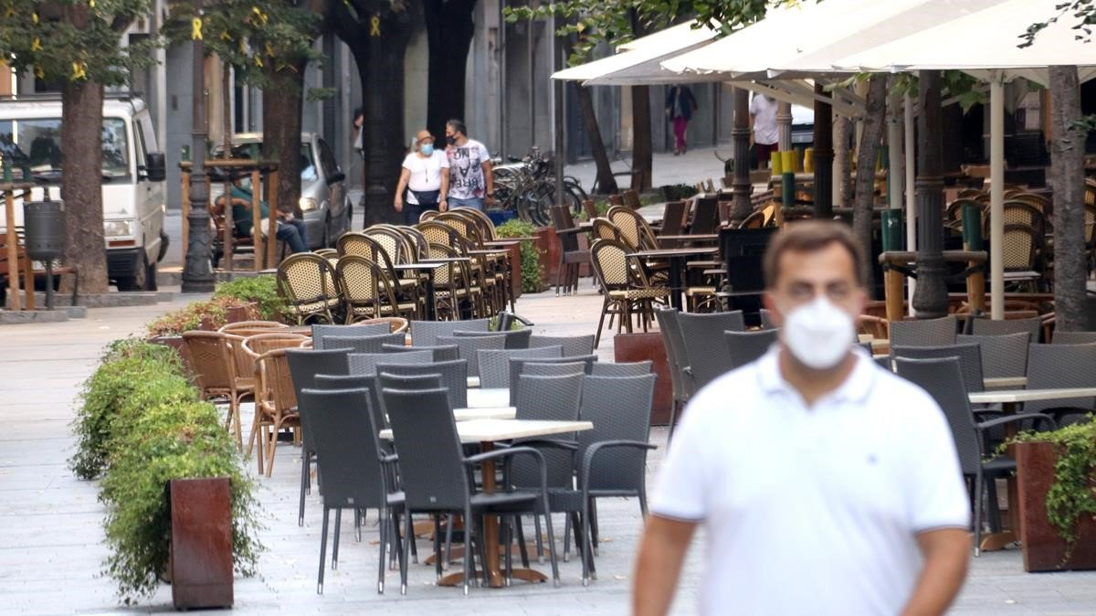 Terrazas de bares en Girona, el 15 de setiembre