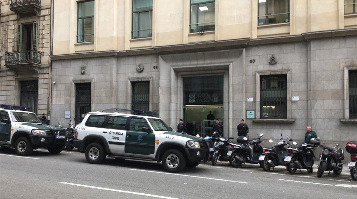 La Guardia Civil registra la Autoridad Catalana de la Competencia en el marco de una investigación de la Audiencia Nacional sobre el caso del 3%.