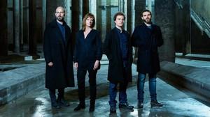 Eduard Farelo, Rosa Renom, Pol López y Pau Carrió, en una imagen promocional del Hamlet, de Shakespeare, que se estrenará en el Lliure de Gràcia en marzo.