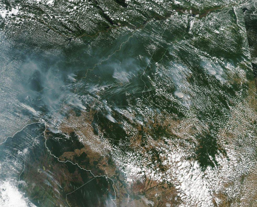 Fotografíade la NASAque muestra desde el espacio los incendios forestales en la Amazonía brasileña.