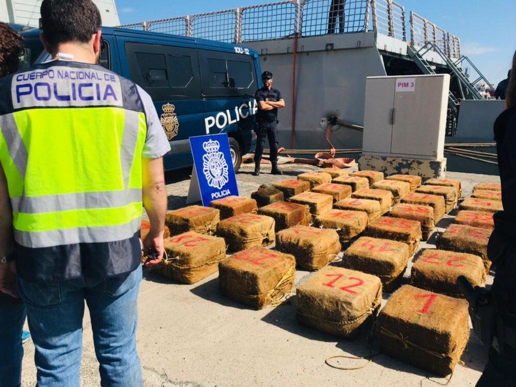 Imagen de una anterior operación policial en Canarias en la que se intervino 1.400 kilos de cocaína.