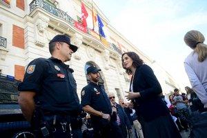 Isabel Díaz-Ayuso, presidenta de la Comunidad de Madrid, durante la manifestación'Juntos por España. Convivencia sin violencia'.