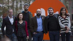De izquierda a derecha, Jordi Cabré, Maite Carranza, Víctor García Tur, Marcel Mauri, Carles Rebassa y Núria Franquet, este viernes,antes de la entrega delos premios de la Nit de Santa Llúcia.