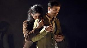 Miranda Gas y Borja Espinosa, en el representación de Els cors purs.