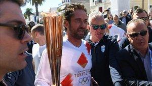 Grècia suspèn el recorregut de la torxa olímpica per l'afluència de públic