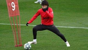 Joao Félix, en el entrenamiento previo al duelo con el Barça en el Metropolitano.