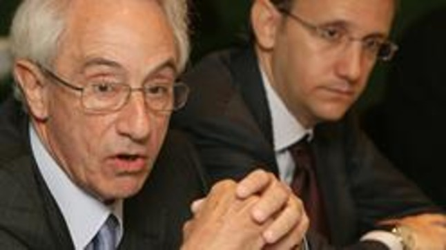 Jordi Mercader, president de Miquel i Costas, i el seu fill.