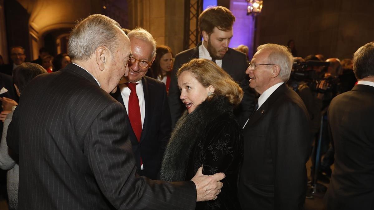 Josep Pont, Isac Andic, Miquel Valls, Antonio Asensio y Nadia Calviño.
