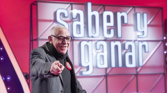 Juanjo Cardenal la voz de Saber y Ganar, entrevistado en El Periódico.