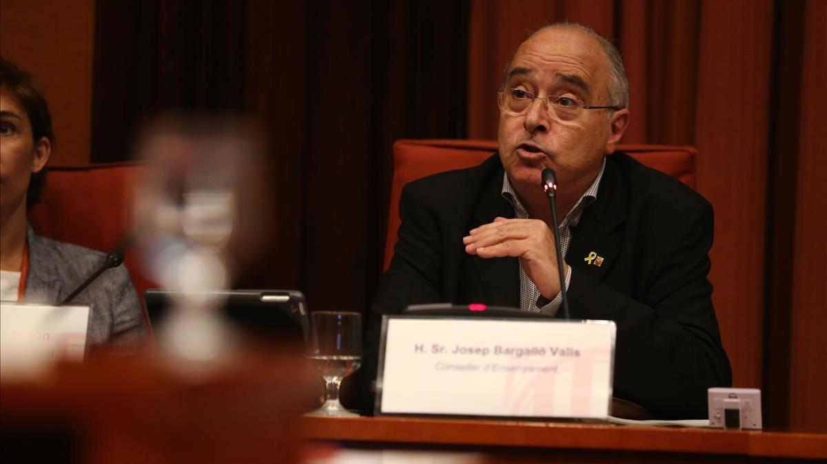 El conseller de Ensenyament, Josep Bargalló, en el Parlament, este lunes.