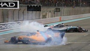 Lewis Hamilton y Fernando Alonso hacen trompos con sus monoplazas al finalizar el GP de Abu Dabi.