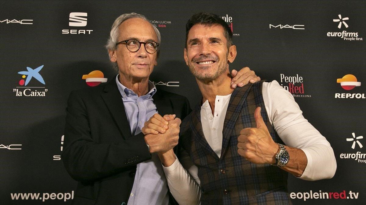 El doctor Bonaventura Clotet y el presentador Jesús Vázquez, en el Hotel Mandarín.