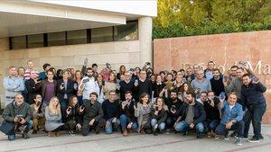Los periodistas del Diario de Mallorca se concentran, este jueves, a las puertas del periódico en protesta por la incautación de material sobre el caso Cursach.