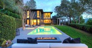 El nuevo gobernador de California vende su casa en 6 millones dólares