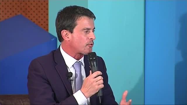 El ex primer ministro socialista de Francia Manuel Valls ha participado hoy en un acto de campaña del PPC.