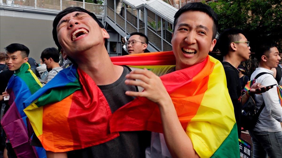 Resultado de imagen de taiwan aprueba el matrimonio homosexual
