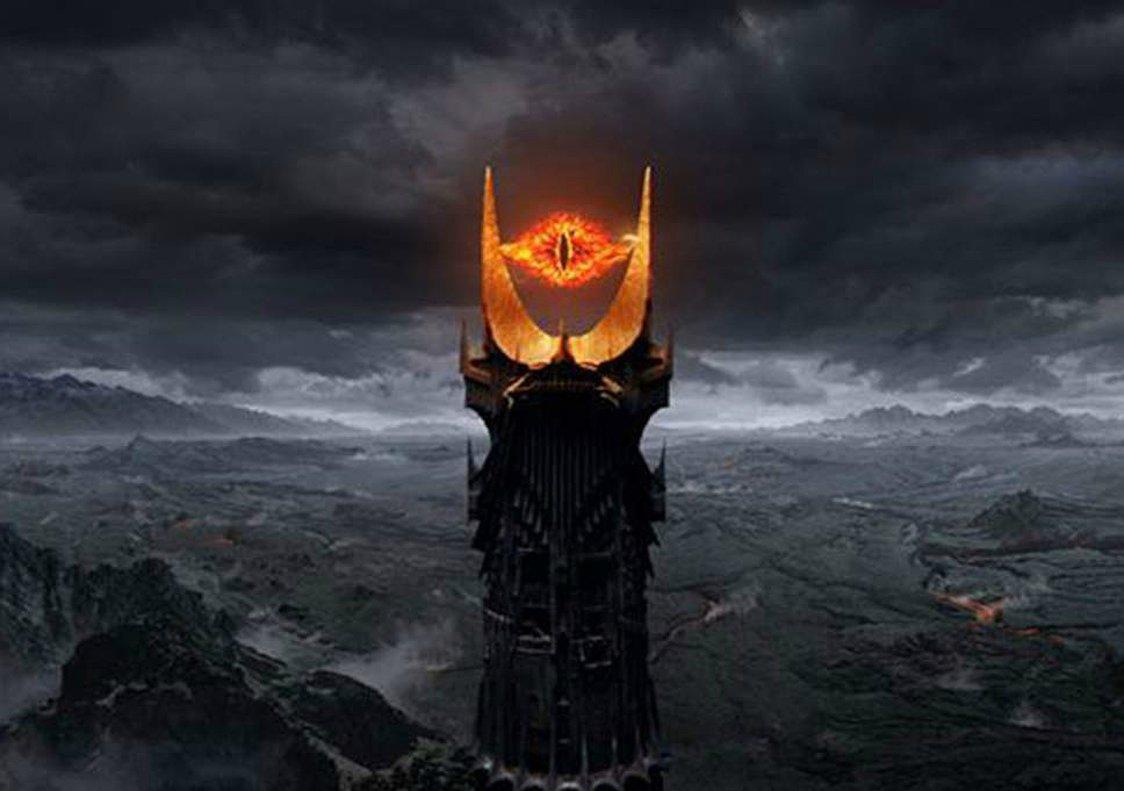 El ojo de Sauron de 'El señor de los anillos', la imagen con la que los tuiteros comparan la primera foto del agujero negro.