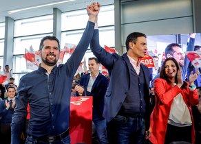 Pedro Sánchez junto a Luis Tudanca, en el acto de presentación del candidato del PSOE a la presidencia de Castilla y León.
