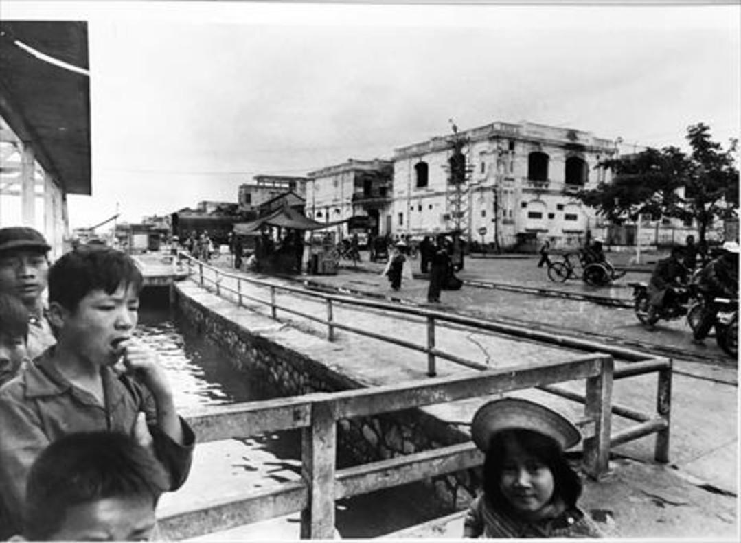 Estación de la ciudad de Hué en 1975. Esta foto significapara el periodista el símbolo del cambio del país.