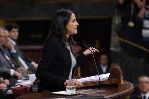 La portavoz de Cs en el Congreso, Inés Arrimadas durante su intervención en la investidura de Pedro Sánchez.