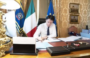 El primer ministro italiano Giussepe Conte, en una videoconferancia.