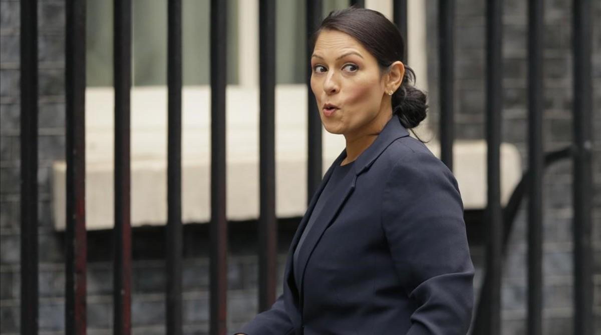 Pritti Pattel en Downing Street.