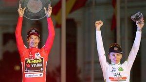 Roglic (izquierda) y Pogacar, en el podio de la Vuelta 2019.